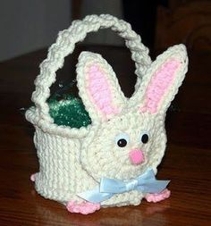 Crochet Pattern for a yarn Easter basket with a bunny face and tail Easter Crochet Patterns, Crochet Basket Pattern, Crochet Baskets, Crochet Rabbit, Bunny Face, Crochet Amigurumi, Crochet Round, Easy Crochet, Free Crochet