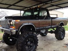 Late 70s. We have a full size bronco, same body as this just with a roof