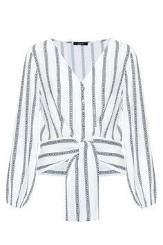 Formal Tops, Kurti Patterns, Old T Shirts, Summer Blouses, Beautiful Blouses, Blouse Vintage, Blouse Styles, Shirt Blouses, Ideias Fashion