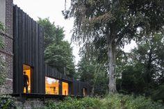 Black House / Marchi Architectes - Wood slat details are interest and create some interesting variance.