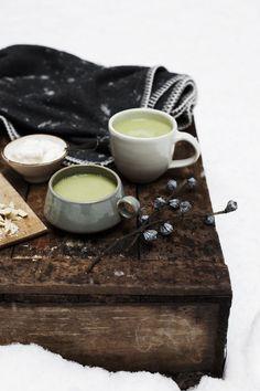 Matcha Latte mit weißer Schokolade (Bild: Claudia Gödke für Aiya)