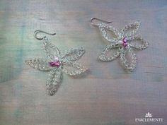 Pendientes con forma de flor, realizados en hilo de plata tejida. EVACLEMENTE. Handmade, Jewelry, Flower, Metals, Earrings, Shapes, Silver, Tejidos, Hand Made