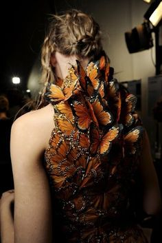alexander mcqueen butterfly top dress orange fashion by heather Fashion Details, Look Fashion, Fashion Art, High Fashion, Fashion Show, Fashion Design, Crazy Fashion, Modern Fashion, Timeless Fashion