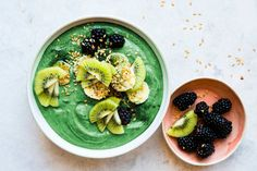 The Doctor-Approved Detoxifying Smoothie You'll Want To Drink Every Day This Summer