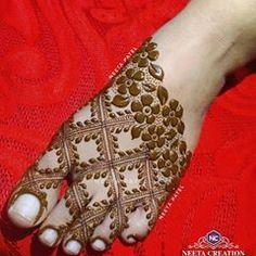 Neeta Patel(Chaudhary) (@nitumehndiartist) • Instagram photos and videos Pretty Henna Designs, Rose Mehndi Designs, Legs Mehndi Design, Stylish Mehndi Designs, Latest Bridal Mehndi Designs, Full Hand Mehndi Designs, Henna Art Designs, Wedding Mehndi Designs, Mehndi Designs For Fingers