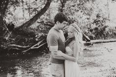 couples photography engagement summer | Pittsburgh Photographer | Shaye Kennedy's Studio