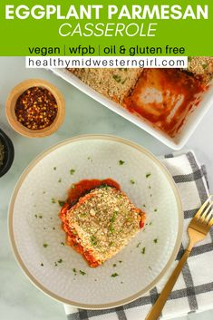 Ultra soft slices of eggplant smothered in tomato sauce, with a crunchy panko-Parmesan topping. All the great vegan eggplant Parmesan flavor without the messy dipping and breading! Whole Food Recipes, Diet Recipes, Healthy Recipes, Fall Recipes, Healthy Eats, Vegan Comfort Food, Comfort Foods, Vegan Food, Plant Based Diet