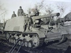 Self Propelled Artillery, Tiger Tank, Armored Fighting Vehicle, Army Vehicles, Ww2 Tanks, World Of Tanks, Military Weapons, Military Equipment, German Army
