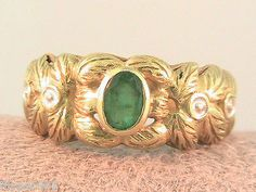 Colombian Emerald Ring 18kt Yellow Gold