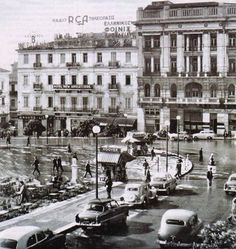 1950 ~ Rainy day in Athens (Syntagma square), Greece Athens City, Athens Greece, Mykonos, Old Pictures, Old Photos, Vintage Photos, Kai, Greece Photography, Greek History
