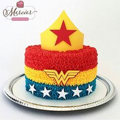 Children's Wonder Woman Festivals - Celebrat : Home of Celebration, Events to Celebrate, Wishes, Gifts ideas and more ! Wonder Woman Cake, Wonder Woman Party, Girl Superhero Party, Superhero Cake, Bolo Laura, Cake Templates, Birthday Woman, 5th Birthday, Wonder Woman Birthday Cake