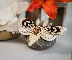 Купить Weles или Седой Шаман - бабочка, мотылек, эксклюзивная вышивка, брошь-бабочка
