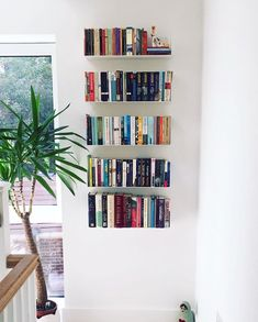 [ BOOKCASE TEEbooks ]⠀ It's so easy to mount TEEbooks design shelves on the wall to store the books, and give the place a warm atmosphere💞💫⠀ 📸 : Bookshelves For Small Spaces, Creative Bookshelves, Bookshelves In Bedroom, Small Bookshelf, Bookshelf Design, Corner Shelves, Wall Shelves, Floating Shelves Books, Ikea Lack Shelves