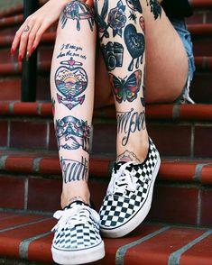 Old School tätowierte Modelle Body Suit Tattoos Tattoos Mandala, Tattoos Geometric, Life Tattoos, Body Art Tattoos, Sleeve Tattoos, Tattoo Model Mann, Tattoo Models, Traditional Tattoo On Leg, American Traditional Tattoos