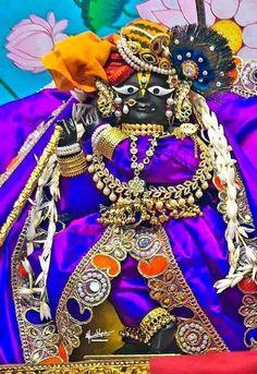 राधारमण..♥️ Krishna Love, Krishna Art, Lord Krishna, Jai Shree Krishna, Bhagavad Gita, Indian Gods, Captain Hat, Hats, Rama Sita