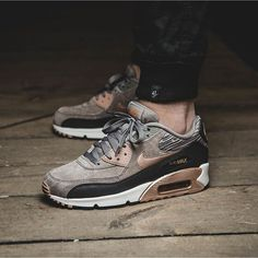 Nike WMNS Air Max 90 Leather (brown / bronze) - 43einhalb Sneaker Store Fulda