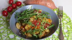 Vegane Gnocchipfanne mit Süßkartoffeln und Rucola