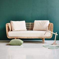 Nest lounge sofa is designed in Denmark but created in Indonesia by experienced rattan weavers with a long tradition of this craftsmanship. In classic danish design and made from sustainable natural rattan. Brand: Cane-line Designer: Foersom + Hiort-Lorenzen Plywood Furniture, Lounge Furniture, Pallet Furniture, Outdoor Furniture, Patio Loveseat, Rattan Sofa, Cushions On Sofa, White Cushions, Lounge Sofa
