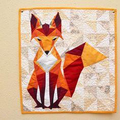 paperpieced fox | @westandarrowquilts #fancyfoxquilt