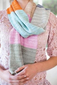 #FreeKnittingPattern - Blocks of Color Scarf - click the image to get the free instant download of the pattern!