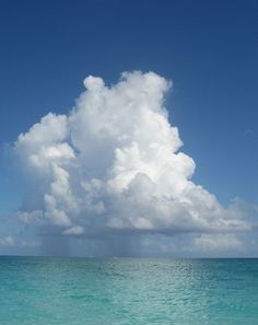 Grace Bay Turks and Caicos. Rain clouds loom over the ocean. Storm Clouds, Sky And Clouds, Beautiful Sky, Beautiful Places, No Rain, All Nature, Belle Photo, Landscape Art, Strand
