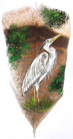 Egret, painted on Turkey tail feather Skull Painting, Feather Painting, Feather Art, Painted Feathers, Painted Leaves, Painted Rocks, Types Of Painting, Types Of Art, Stone Painting