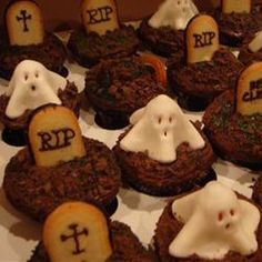 The Holy Bible of Recipes: Graveyard Cupcake