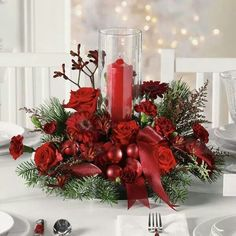 35 Simple Beautiful Christmas Centerpieces Ideas That Every People Could Make Itself – GooDSGN Christmas Flower Arrangements, Christmas Table Centerpieces, Christmas Flowers, Christmas Party Decorations, Christmas Tablescapes, Christmas Candles, Holiday Tables, Floral Arrangements, Christmas Wreaths
