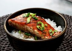 Teriyaki sauce is a typical Japanese condiment but when it is combined with salmon , it results in a truly innovative and delicious meal. The recipe for teriyaki salmon has been implemented by both amateur cooks and upscale American-Japanese restaurants. Easy Salmon Recipes, Fish Recipes, Seafood Recipes, Asian Recipes, Cooking Recipes, Chef Recipes, Dinner Recipes, Fish Dishes, Seafood Dishes