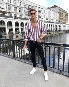 17 Inspiring Spring Street Style Outfits Ideas For Mens - Mens Fashion - Fashionable Best Casual Outfits, Style Outfits, Vintage Summer Outfits, Spring Outfits, Printemps Street Style, Dressy Pants, Mein Style, Herren Outfit, Mens Style Guide