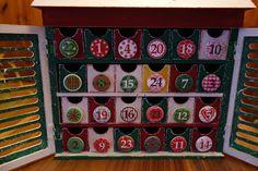 Adventkalender aus Holz Die Schubladen