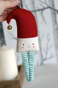 Funny Christmas Tree Decorations Awesome Ideas For 2019 Funny Christmas Tree, Christmas Gifts For Men, Christmas Sewing, Christmas Love, Christmas Humor, Winter Christmas, Handmade Christmas, Christmas Tree Decorations, Christmas Elf
