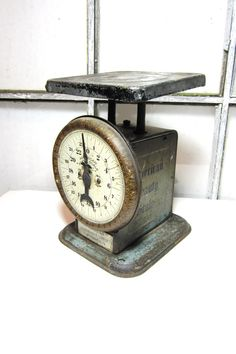 Vintage Kitchen Scale; 1930's