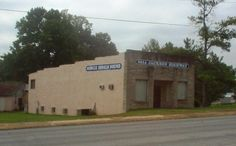 The Muscle Shoals Sound Studio was formed in Muscle Shoals, Alabama, in 1969.  Many artists have recorded hit songs and complete albums at the studio.
