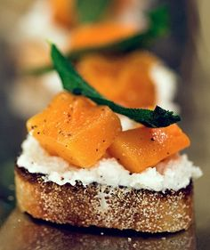 Butternut Squash, Ricotta, and Sage Crostini | spachethespatula.com #recipe