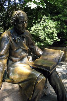 Hans-Christian Anderson statue overlooking the Conservatory Water.  Central Park, NEW YORK CITY.    (by wallyg, via Flickr)