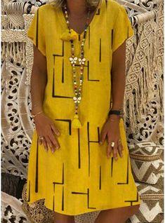 Women casual daily dress – Page 25 – dresshelike Fly Dressing, Casual Dresses For Women, Clothes For Women, Women's Clothes, Elegant Dresses, Pretty Dresses, Vintage Dresses, Large Size Dresses, Collar Dress