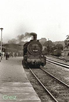 BR 57 im Bahnhof Greiz, 1985