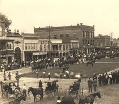 10. This historic photo, which was taken in 1901, features officers of the 2nd Alabama Infantry Regiment on horseback in downtown Eufaula, Alabama.