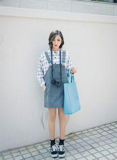 Korean fashion - ulzzang - ulzzang fashion - cute girl - cute outfit - seoul style - asian fashion - korean style - asian style - kstyle k-style - k- fashion Korean Street Fashion, Korean Fashion Tomboy, Korean Fashion Winter, Korean Fashion Trends, Fashion Mode, Ulzzang Fashion, Korea Fashion, Asian Fashion, Look Fashion