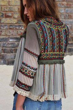 Crochet jacket boho gypsy 57 ideas for 2019 Boho Gypsy, Bohemian Mode, Bohemian Lifestyle, Hippie Bohemian, Bohemian Style, Boho Chic, Bohemian Fashion, Hippie Style, Boho Outfits