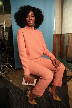 Solange Knowles: A Tailored Long-Sleeved Set Can Be Very Feminine