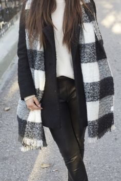 #monochrome #minimal #layer #winterstyle