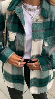 Get off any item. G check shirt jacket green autumn jacket best fall jackets clothes oversized checked outerwear for women autumn coat womens short Flannel Outfits, Cute Casual Outfits, Fall Winter Outfits, Autumn Winter Fashion, Autumn Coat, Fashion Fall, Street Fashion, Girl Fashion, Mode Indie
