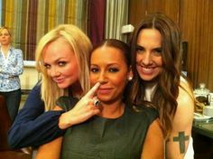 Emma, Mel B & Mel C. Backstage at press conference viva forever Viva Forever, Women In Music, Normal Life, Spice Girls, Celebrity Gossip, Spice Things Up, Girl Power, Olympics, Spices