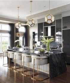 """#blackandgold #kitchen (@decorcriative) no Instagram: """"Quando o preto e o dourado se juntam não tem como da errado! Mais um projeto de Curtis Elmy.…"""""""