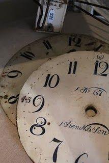 do love clocks (cuz they are slightly steampunk)