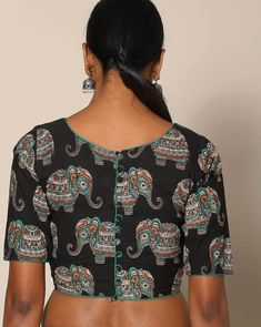 Looking for simple blouse back neck designs to try with cotton sarees? Here are our picks of 20 mind blowing blouses that will bright up your saree look, Blouse Back Neck Designs, Saree Blouse Patterns, Saree Blouse Designs, Cotton Blouses, Cotton Saree, Stylish Blouse Design, Saree Look, Indian Designer Wear, Black Blouse