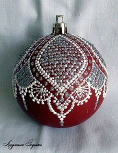 1 million+ Stunning Free Images to Use Anywhere Painted Christmas Ornaments, Hand Painted Ornaments, Beaded Ornaments, Handmade Ornaments, Diy Christmas Ornaments, Christmas Art, Handmade Christmas, Lace Painting, Dot Painting