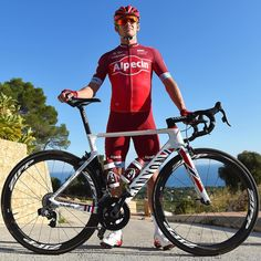 Alexander Kristoff with his new kit @tdwsport